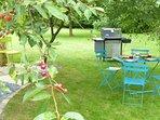 Cosy Loft - neuf, calme, jardin, BBQ, rivière...