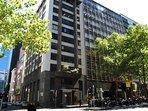 The Building, Art Deco charm - Honey Apartment Two