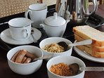English or Sri Lankan breakfast is included in the price