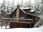 3 story log cabin in the Blue Ridge Mountains- close to Lake,Beach,River,Snow Skiing and tubing
