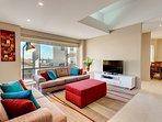 Cottesloe Beach House Stays - Contemporary Villa