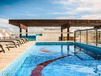 Klem rooftop pool