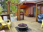 #41 Blondie's Hideaway, large front deck with fire pit and BBQ