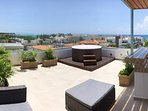 180° Ocean View Private Jacuzzi rooftop!