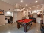 Chef-Owned Encino Duplex – Shop, Sunbathe and See the Hollywood Sights