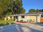 Sunset Villa is a great spot for your Venice vacation with a fenced, tropical back yard