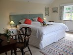 Zip & link beds in the master bedroom offer a super king size double or twin beds