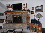Spacious 1600sq' townhm/ 2bd-3ba/ htd garage/views