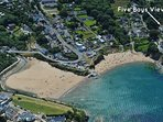 Aberporth holiday bungalow overlooking the beach