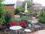 Aberareon holiday home - private enclosed patio gardens