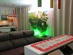 Em um dos bairros mais nobres de Curitiba, hospede-se no Mondrian Home Studio