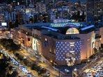 Mall el Jardin a 300 metros, tiene un patio de comidas, restaurantes gourmet, bancos, supermercado.