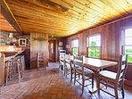 Dining Area & Breakfast Bar