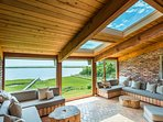 Curl Up & Read or just relax with magnificent view, room adjacent to kitchen