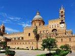 La Cattedrale di Palermo si trova sulla stessa via dell'Attico San Matteo