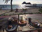 Desayuno Continental / Continental Breakfast en Terraza de Casa Huespedes / Guest home terrace