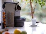 Nespresso Cafemaschine inklusive Kapseln