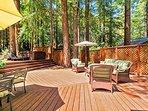 Fern Woods, back deck lounge area