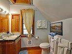 Fern Woods, Bathroom