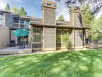 Conveniently-located Sunriver home w/ private deck & SHARC access