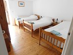 Spacious Second Bedroom (x3 Single beds)