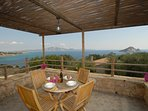 Top floor veranda & sea view