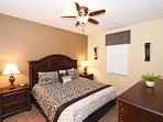 Bedroom,Indoors,Room,Flower Arrangement,Vase