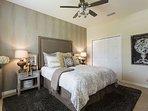 Bedroom,Indoors,Room,Oven,Bed