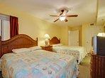 2nd Bedroom w/2 Queens