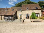 THE OLDE COW HOUSE, pet friendly, luxury holiday cottage, with open fire in Cardington Near Church Stretton, Ref 3591