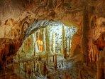 De bekende Grotte di Frasassi in de buurt bij La Fenella