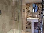 Luxury bathroom in annexe