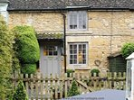 The beautiful, quaint, Boxtree Cottage in Hidcote Boyce