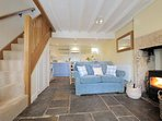 Bluebell Cottage is a beautiful, former silk weaver's cottage in Blockley