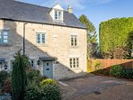 Headford Cottage, at the end of a private quiet cul-de-sac, in the heart of Stow-on-the-Wold