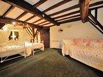 Cosy, triple bedroom