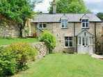 Welcome to the lovely Rose Tree Cottage, just outside Stroud, in the Five Valleys