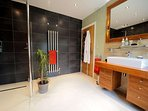 Ensuite bathroom facility