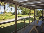 Bev's On The Beach - Verandah
