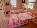 Bedroom 2 (2 Twins)