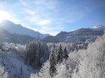 vue de l'appartement l'hiver sur les dômes de Miage et du Mont-joly  (domaine skiable)