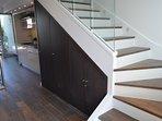 Escalier pour accéder au coin nuit avec 2 suites indepandantes et 1 WC séparer