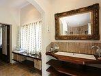 Valldemossa - Master Bedroom bathroom