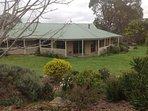 Dandura Farmstay set in stunning Harcourt Hills outside Bendigo.