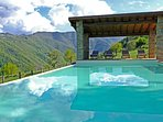 The pool and the Appennino mountains.