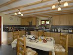 Self catering Laugharne - cottage with open plan kitchen/diner