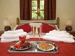 Laugharne coastal cottage retreat - master bedroom