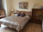 Bedroom 1. Double bed with en suite, can also have an additional single fold up bed. Wardrobes.