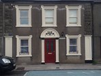 Brownes Townhouse, New, fab patio,garden,town ctre