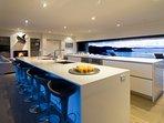 Luxury Holiday Home - Oke Beach House